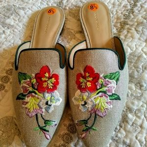 Ann Taylor elya linean embroidered floral flats